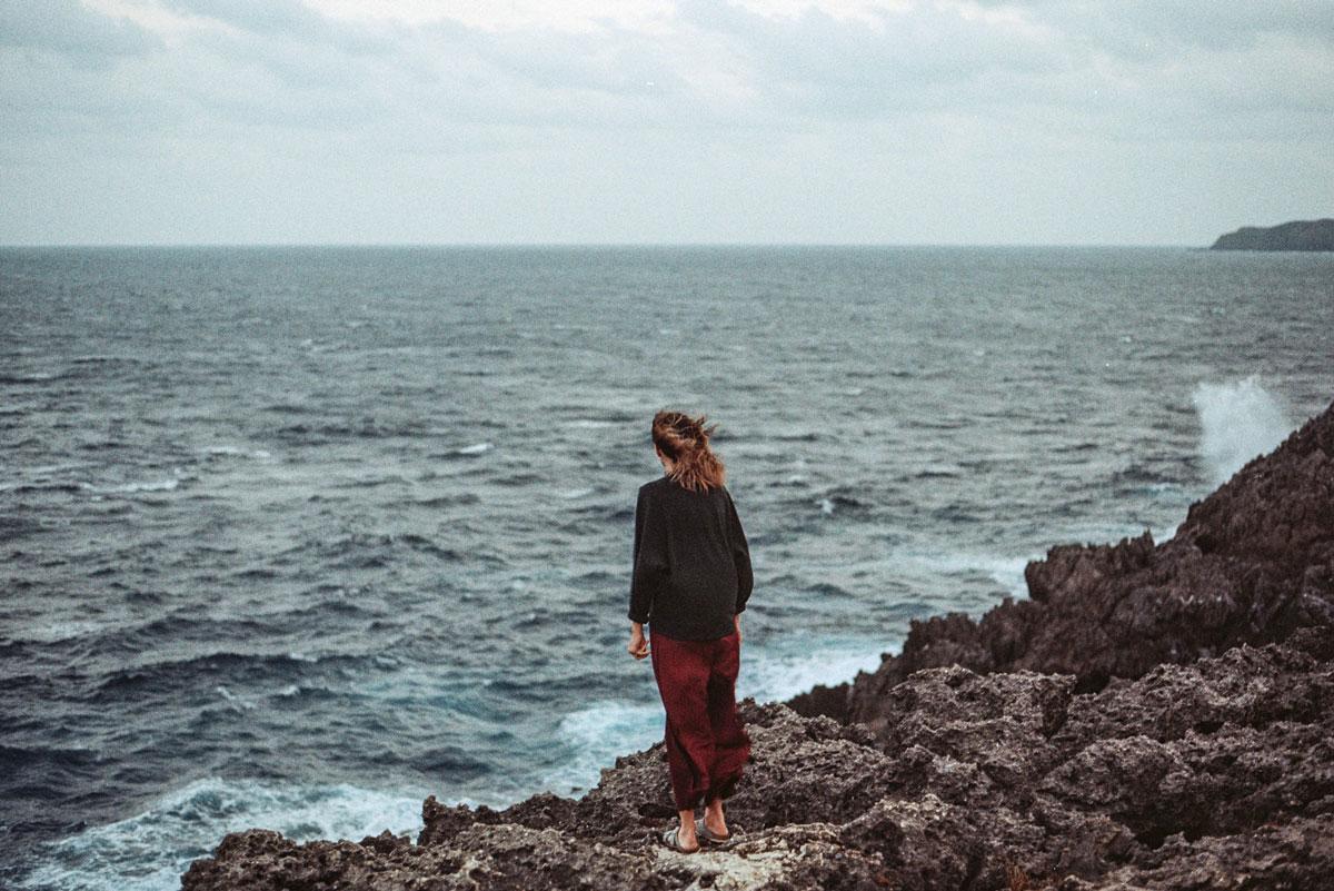 Cómo vivir más feliz y mejor a partir de ahora, aunque te sientas con un vacío interior